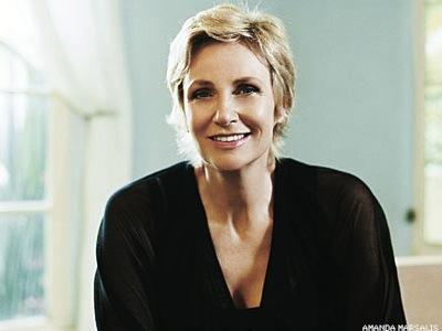 Jane Lynch to Host Concert for Global Equality