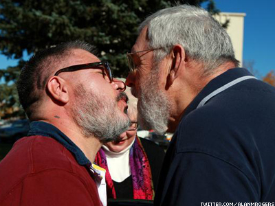 REPORT: Same-Sex Couples Less Likely to Divorce