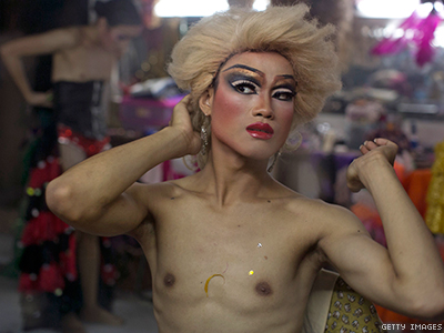 """Thailand Touts Accepting Society in Establishing """"Third Gender"""" in Constitution"""