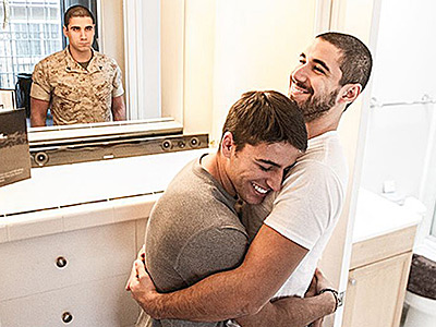 14 Stunning Photos of LGBT Military Personnel