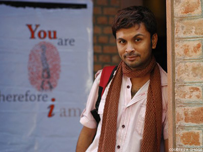 Mom Raises Eyebrows in India with Gay Matchmaking Ad