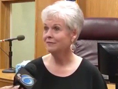 WATCH: Mississippi Clerk Refuses to Wed Gay Couples, Quits After 24 Years