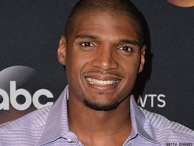 Michael Sam Leaves Pro Football, Cites Mental Health Concerns