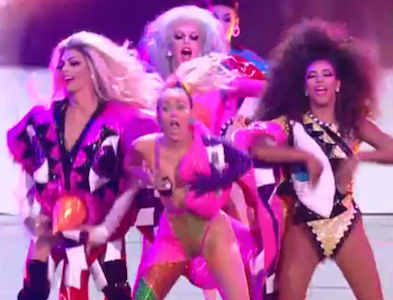 WATCH: Miley Cyrus Features LGBT Youth and Drag Queens in VMA's Closing Number