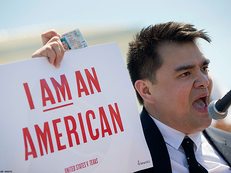 Jose Antonio Vargas speaks to supporters of fair immigration in front of the Supreme Court