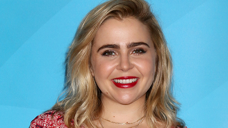 The Owl House: Mae Whitman Comes Out As Pansexual