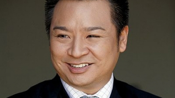 Suburgatory's Rex Lee on Artificial Romance and Self-Love