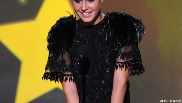 Blue Is the Warmest Color and Adèle Exarchopoulos Nab Critics Choice Awards
