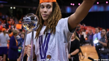 Out Basketball Star Brittney Griner Faces Knife Attack
