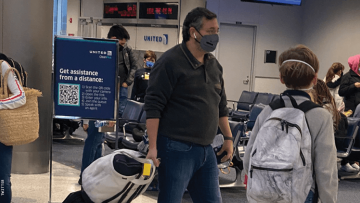 Ted Cruz fleeing to Mexico