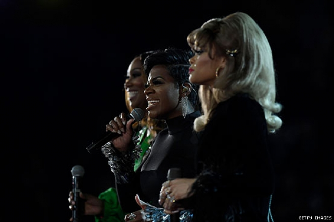 "Andra Day, Yolanda Adams, and Fantasia sing ""A Natural Woman"" in tribute to Aretha Franklin."